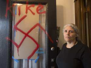 rabbi-anna-maranta-woke-up-to-find-anti-semitic-graffiti-on2